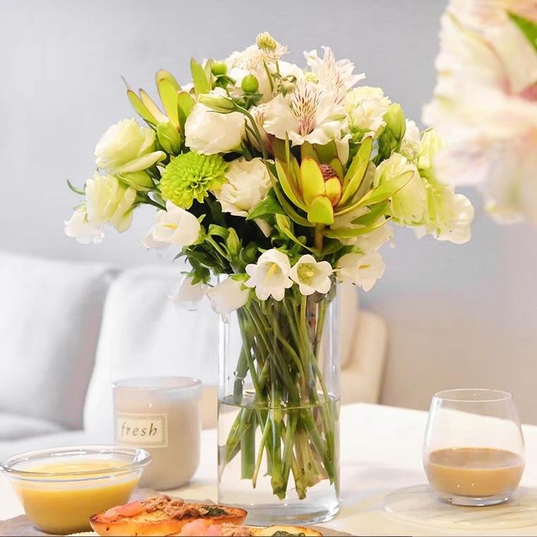 经典系列|每周一束|每月4束|鲜花包月|精选花材|新用户赠送花瓶