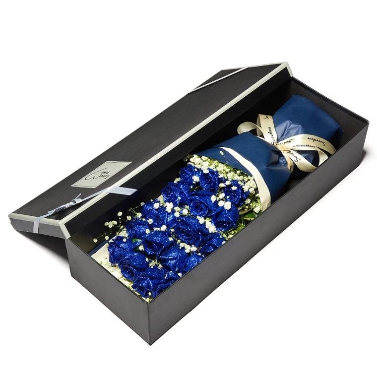 高贵的爱——19朵蓝色妖姬礼盒盛放
