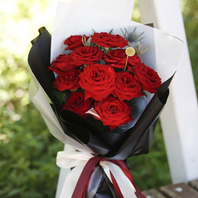 深深吸引-11枝红玫瑰韩式花束