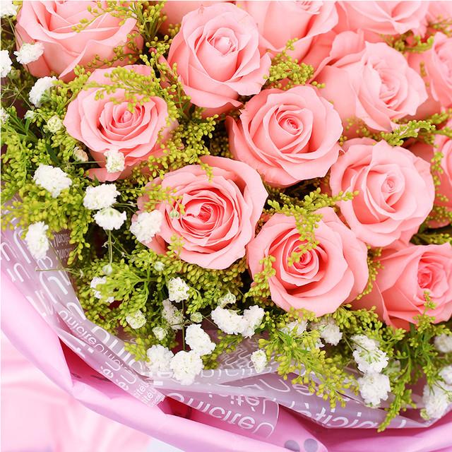 绝代佳人-33朵戴安娜玫瑰,搭配满天星、黄莺