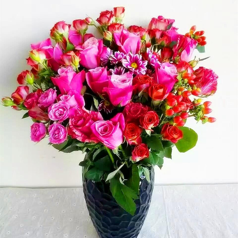 主题系列|每周一束|每月4束|鲜花包月|精选花材|新用户赠送花瓶