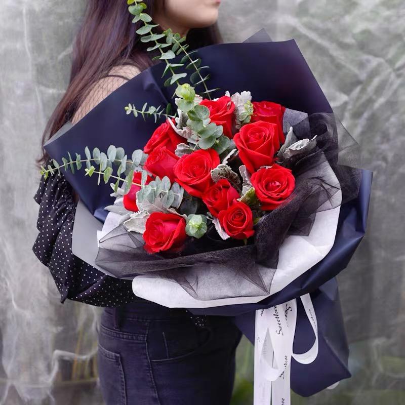 青春纪念日----11朵玫瑰花+尤加利精美包装