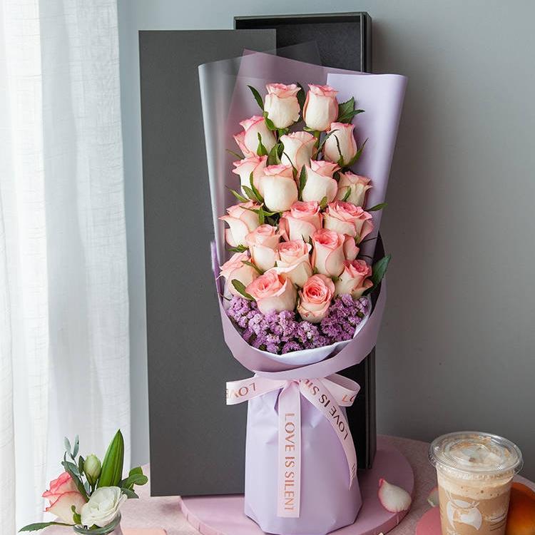 心动瞬间-粉色玫瑰19枝精美礼盒盛放