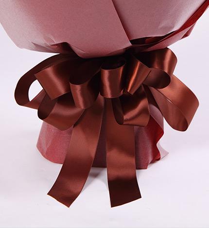 缘份-11枝红玫瑰+5朵白色香水百合精美包装