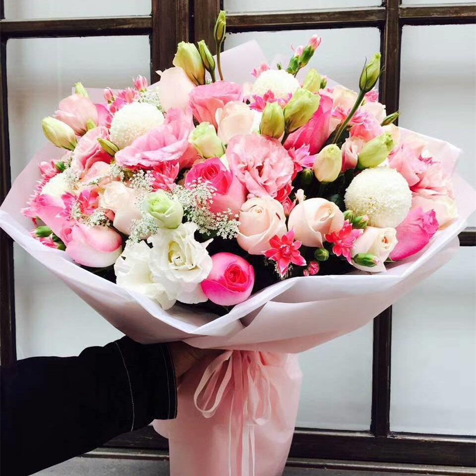 不变的承诺——精品白玫瑰洋桔梗花束