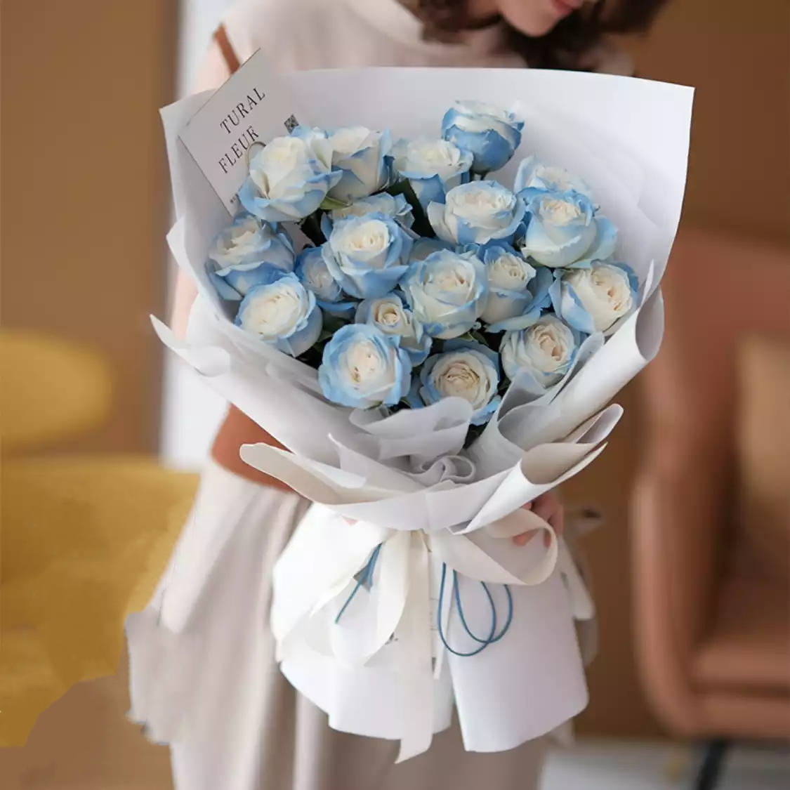 我的女王-19朵碎冰蓝玫瑰精美包装